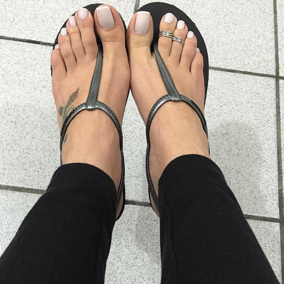 Goddess grazi footjob