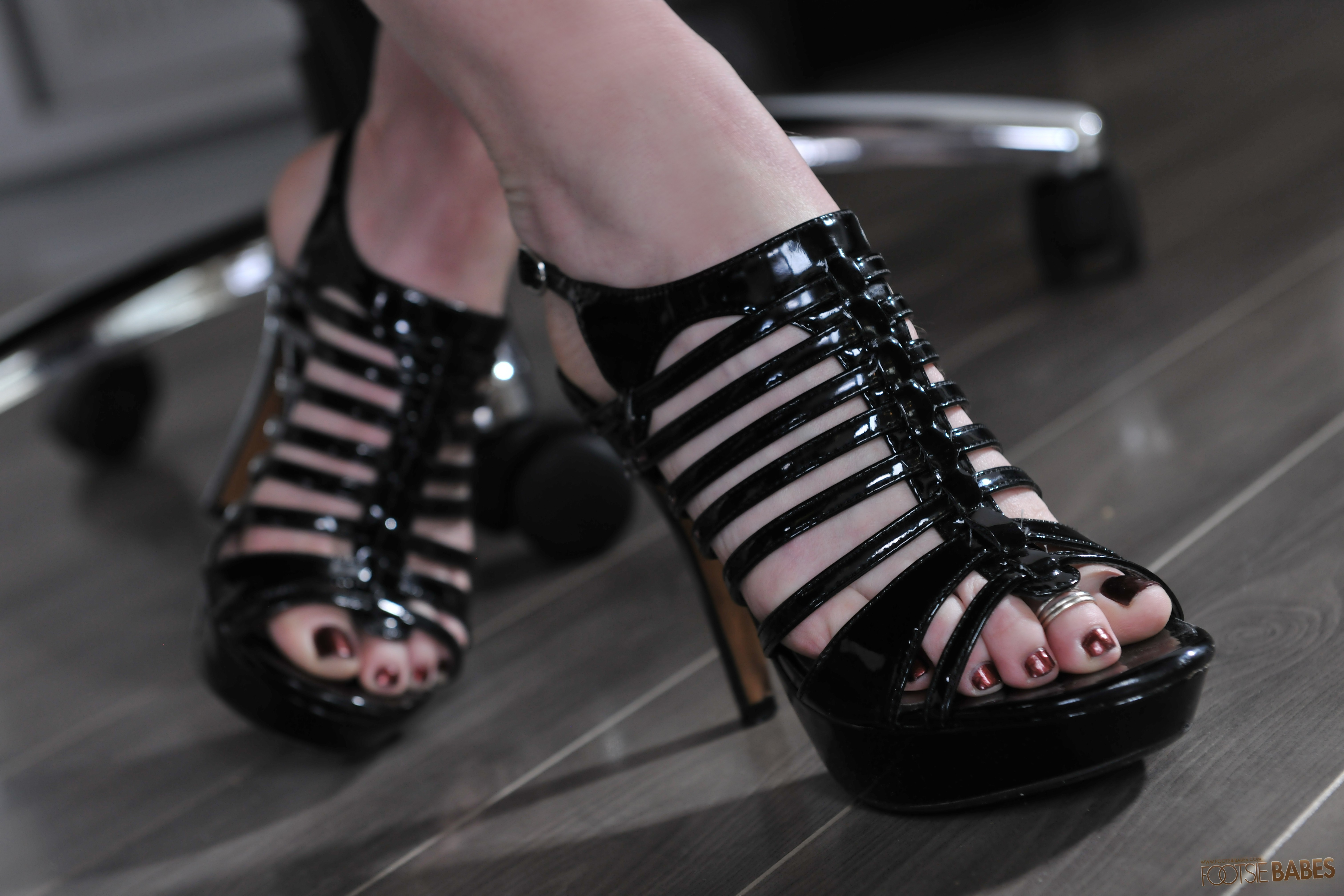 Rayveness foot