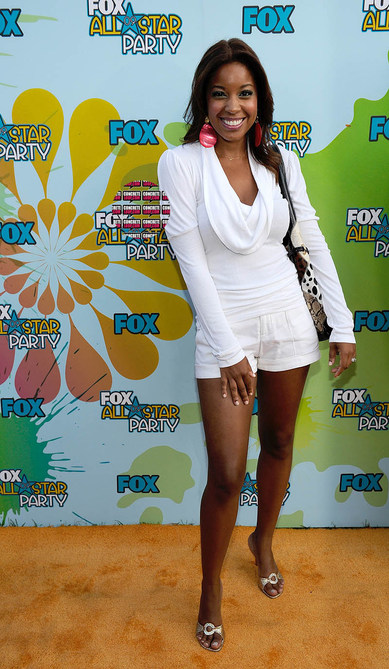 Reagan-Gomez-Preston-Feet-152190.jpg