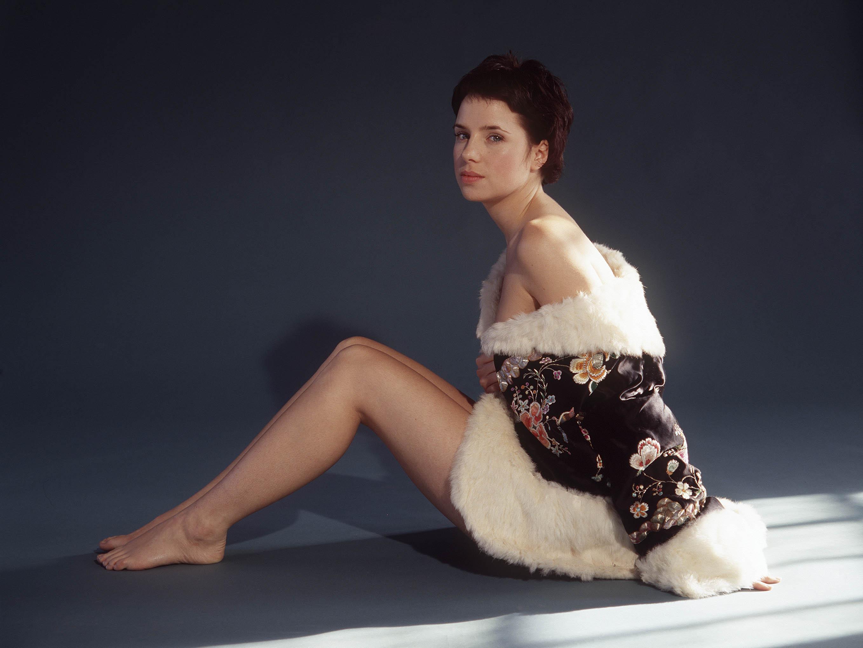 Rebecca Clarkes Feet Wikifeet