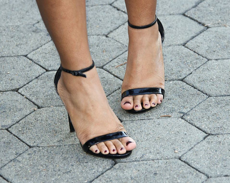 Regina Hall's Feet Rihanna Stay