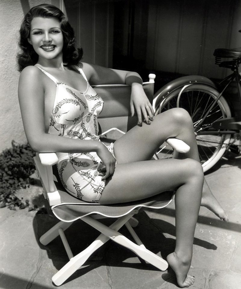 62 Rita Hayworth Sexy Pictures Prove That She Is An Angel ...  |Rita Hayworth Feet