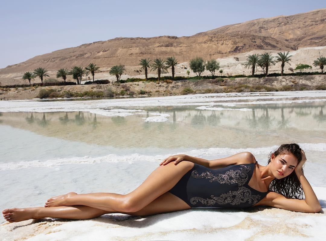 Feet Robin Marjolein Holzken nude (32 photos), Topless, Sideboobs, Boobs, cameltoe 2015