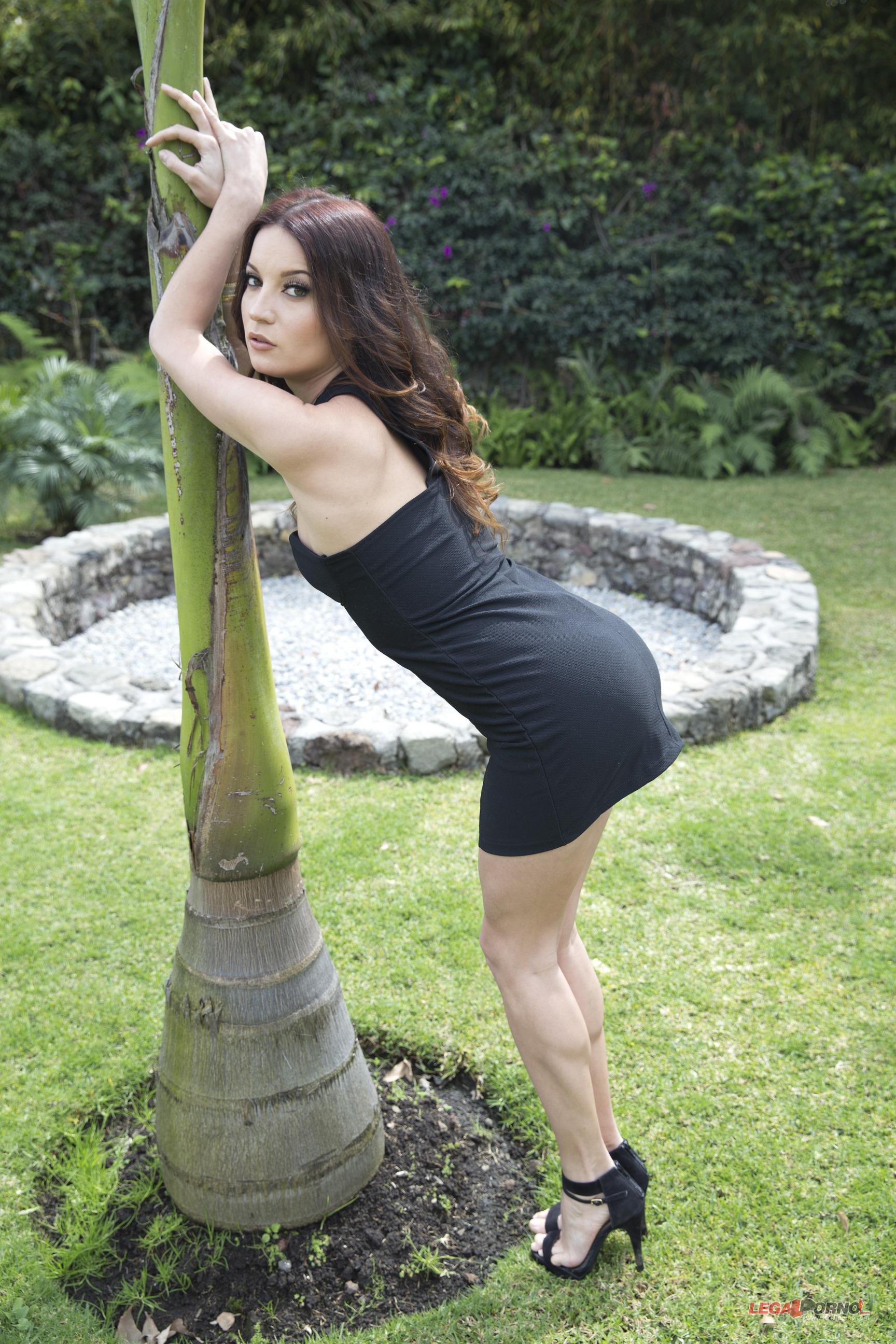 Roxy Dee naked 815