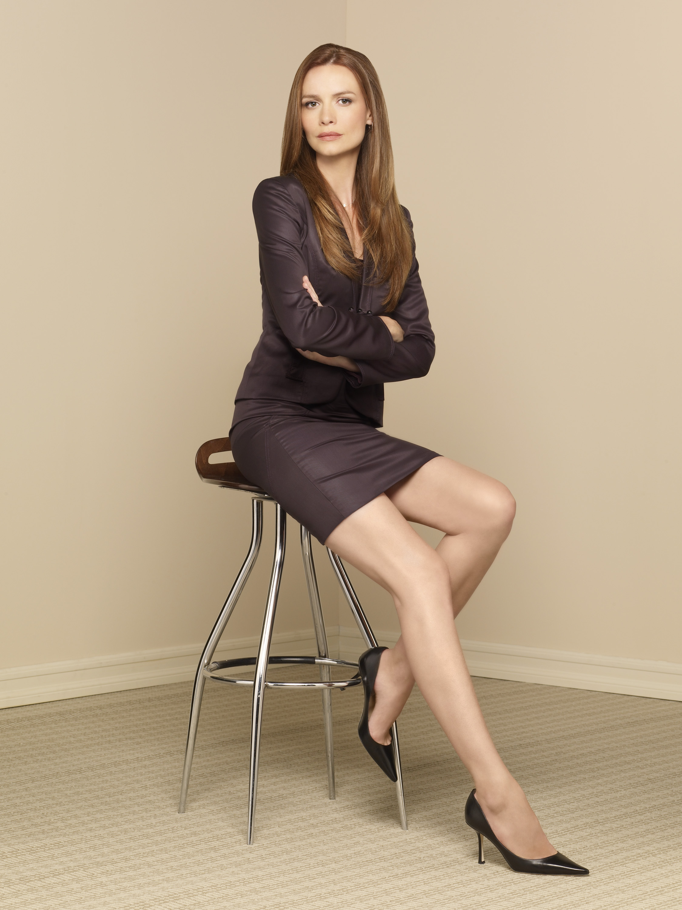 Saffron Burrows's Feet << wikiFeet