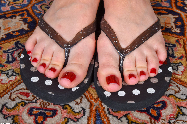 samantha hayes feet
