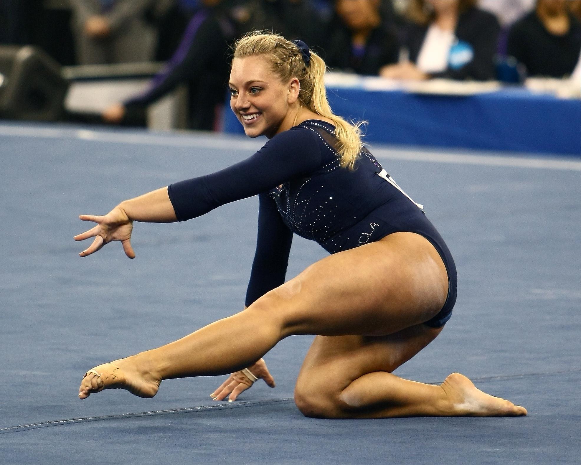 Samantha Peszek S Feet