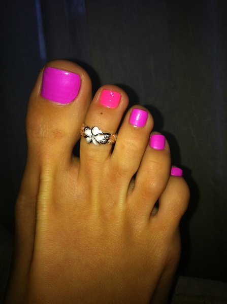Samantha saint feet
