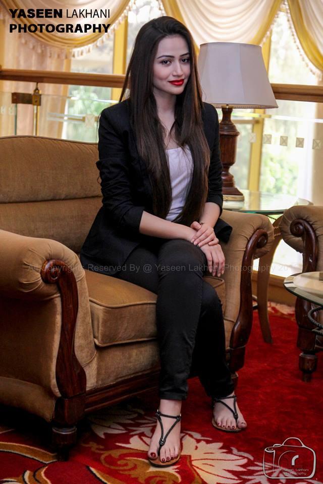 Sana Javed's Feet