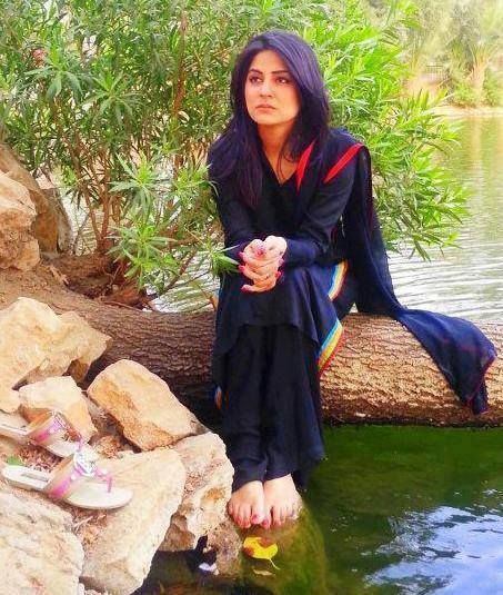 Sanam-Baloch-Feet-1228409.jpg