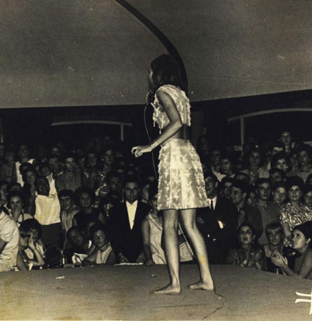 https://pics.wikifeet.com/Sandie-Shaw-Feet-143411.jpg
