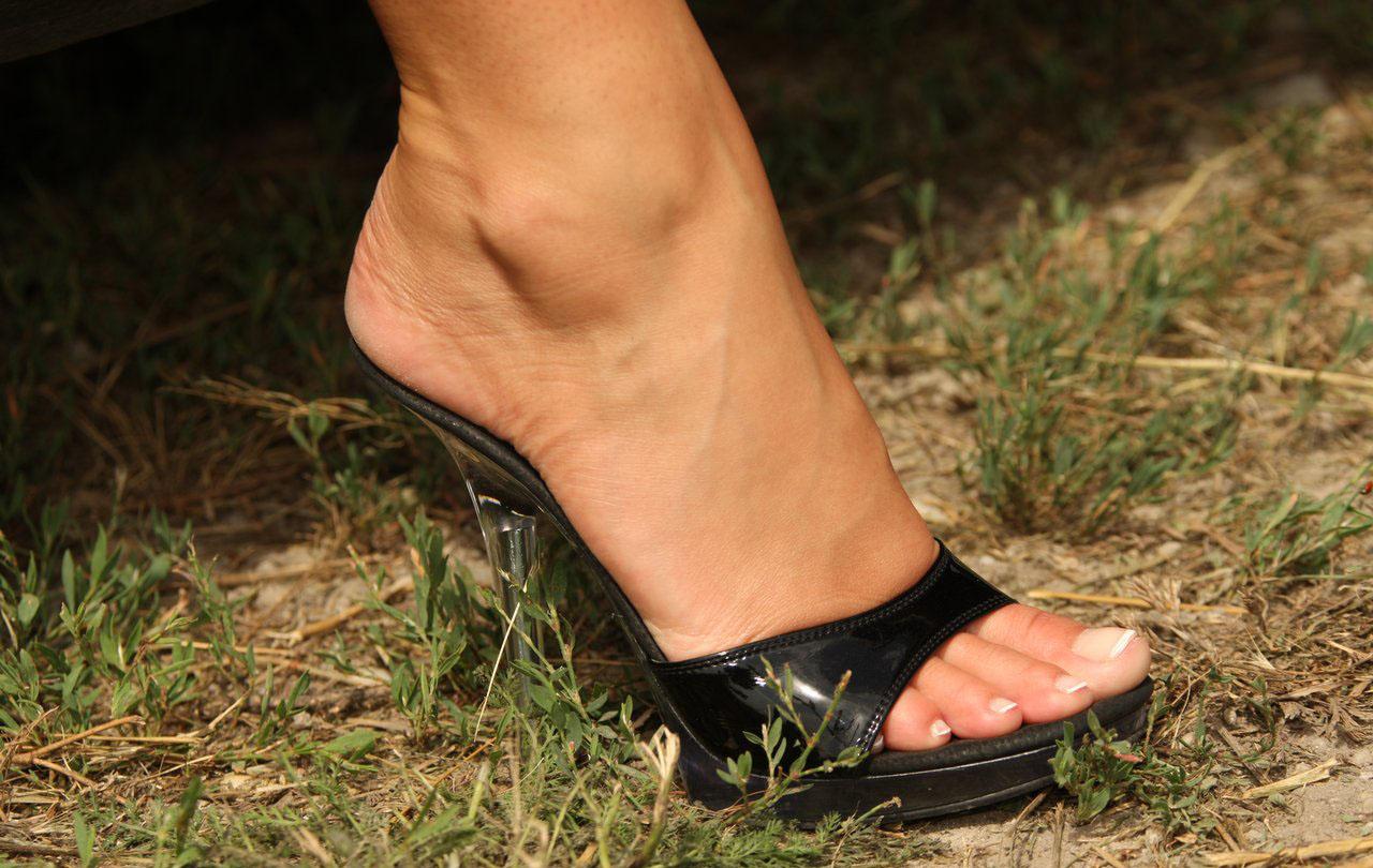 Sandra Shine Feet Pictures 76