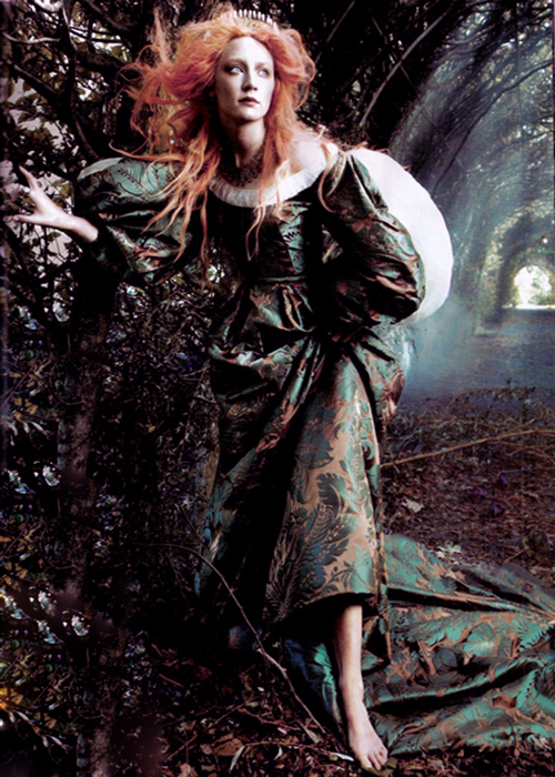 https://pics.wikifeet.com/Saoirse-Ronan-Feet-1540442.jpg