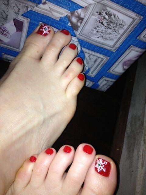 Sara Rues Feet