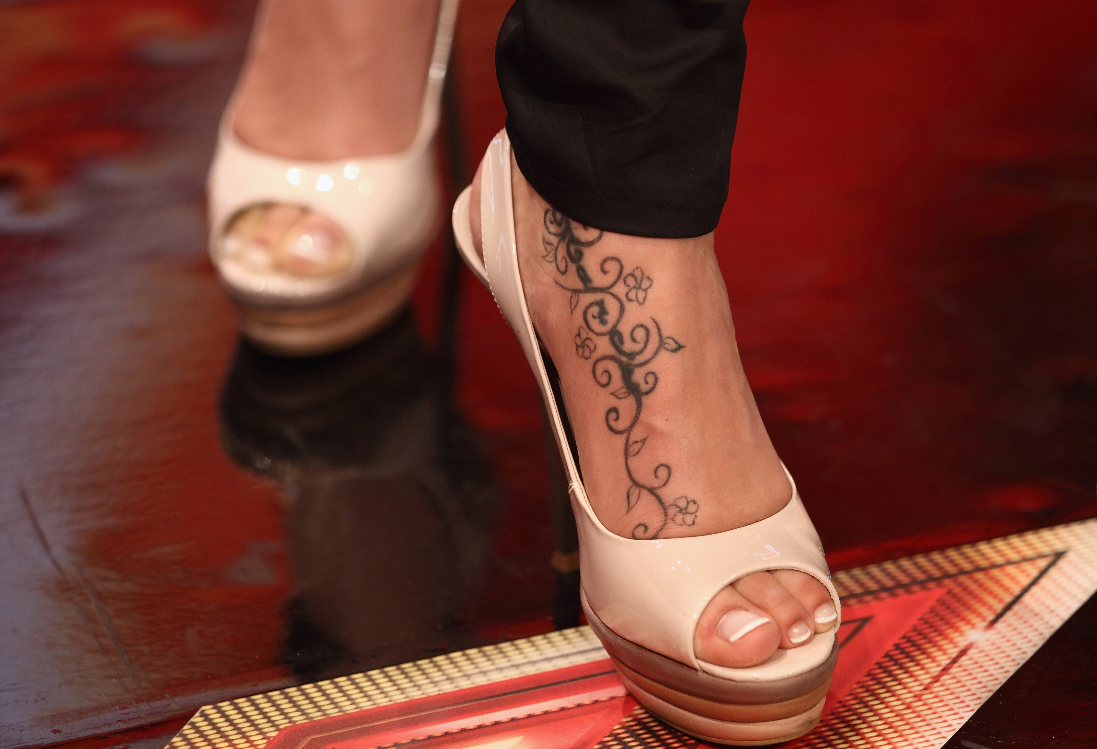 sarah connor feet