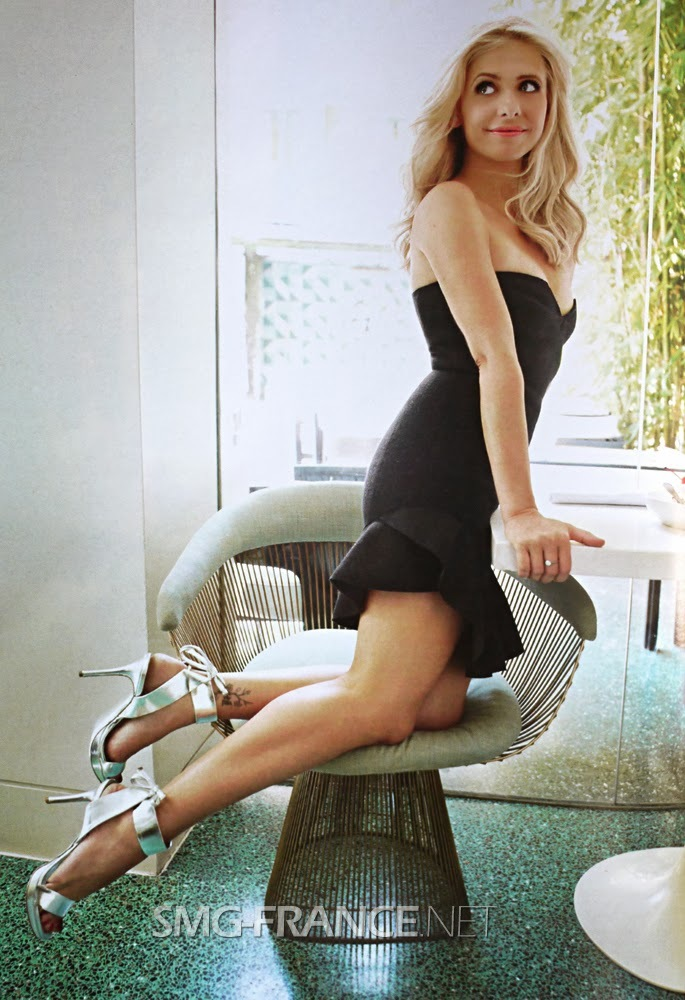 sarah michelle gellar sexy legs