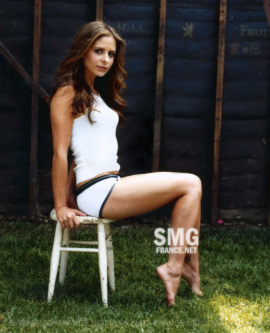 https://pics.wikifeet.com/Sarah-Michelle-Gellar-Feet-581681.jpg