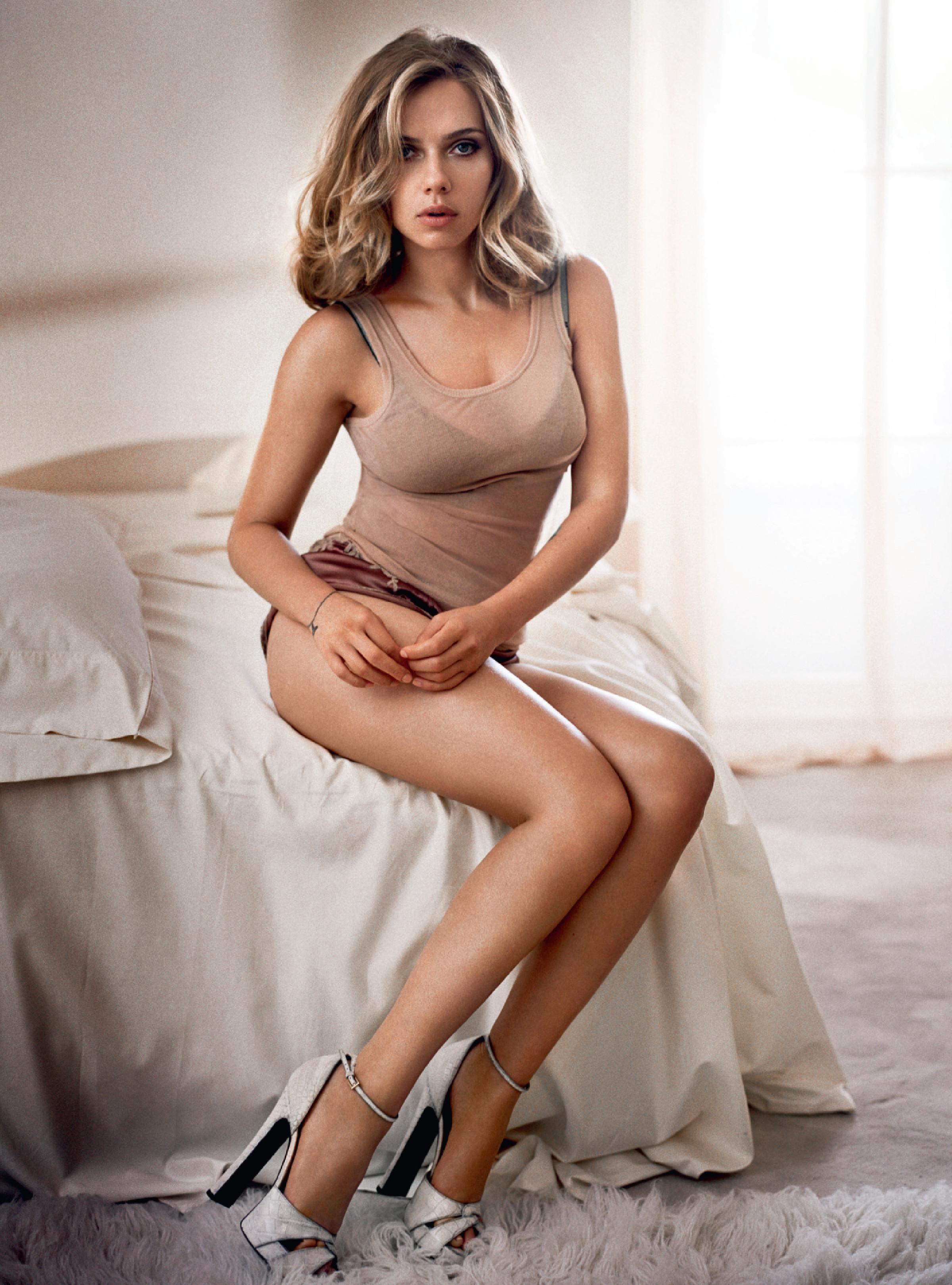 Scarlett Johansson's Feet Scarlett