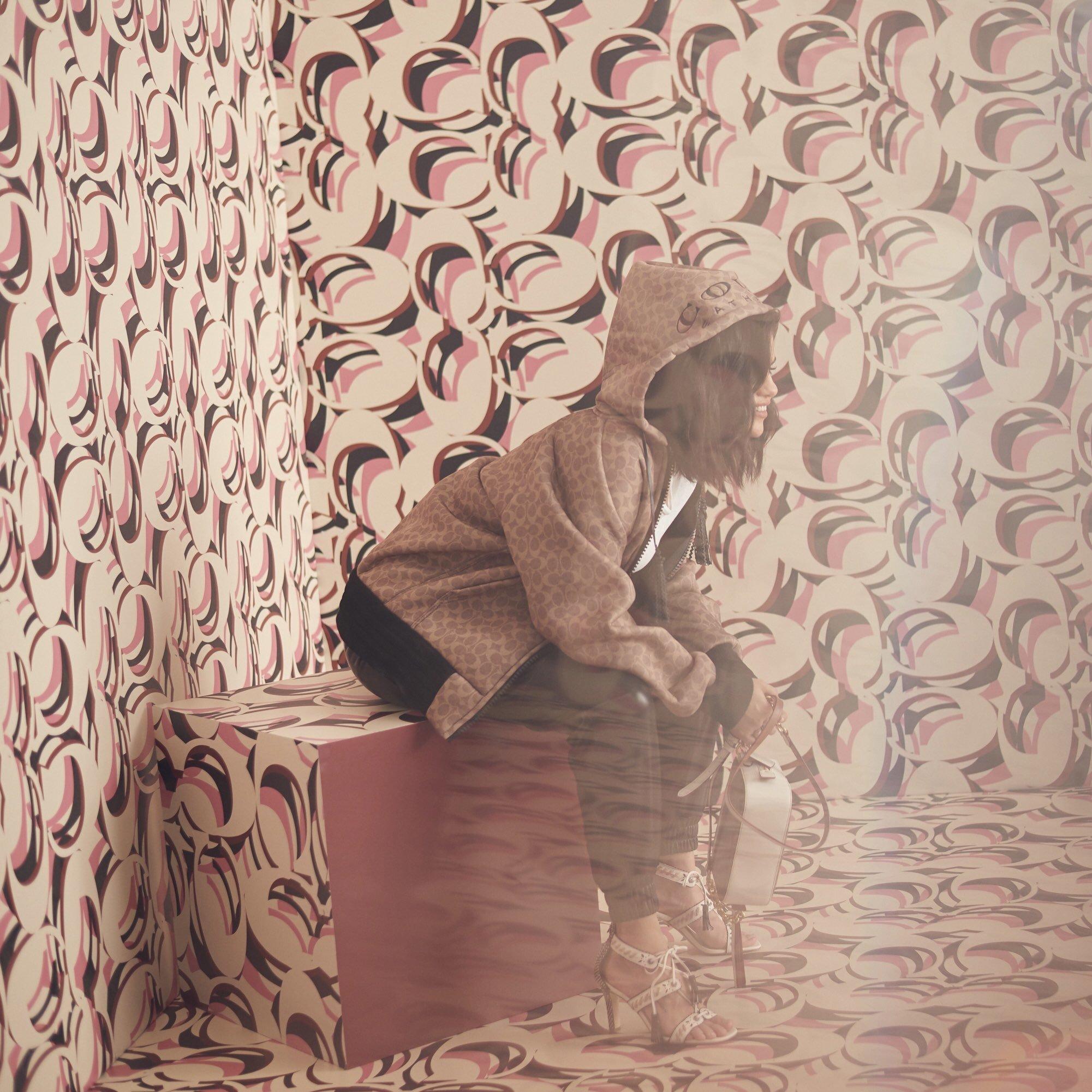 Download free Nokia selena gomez wallpapers