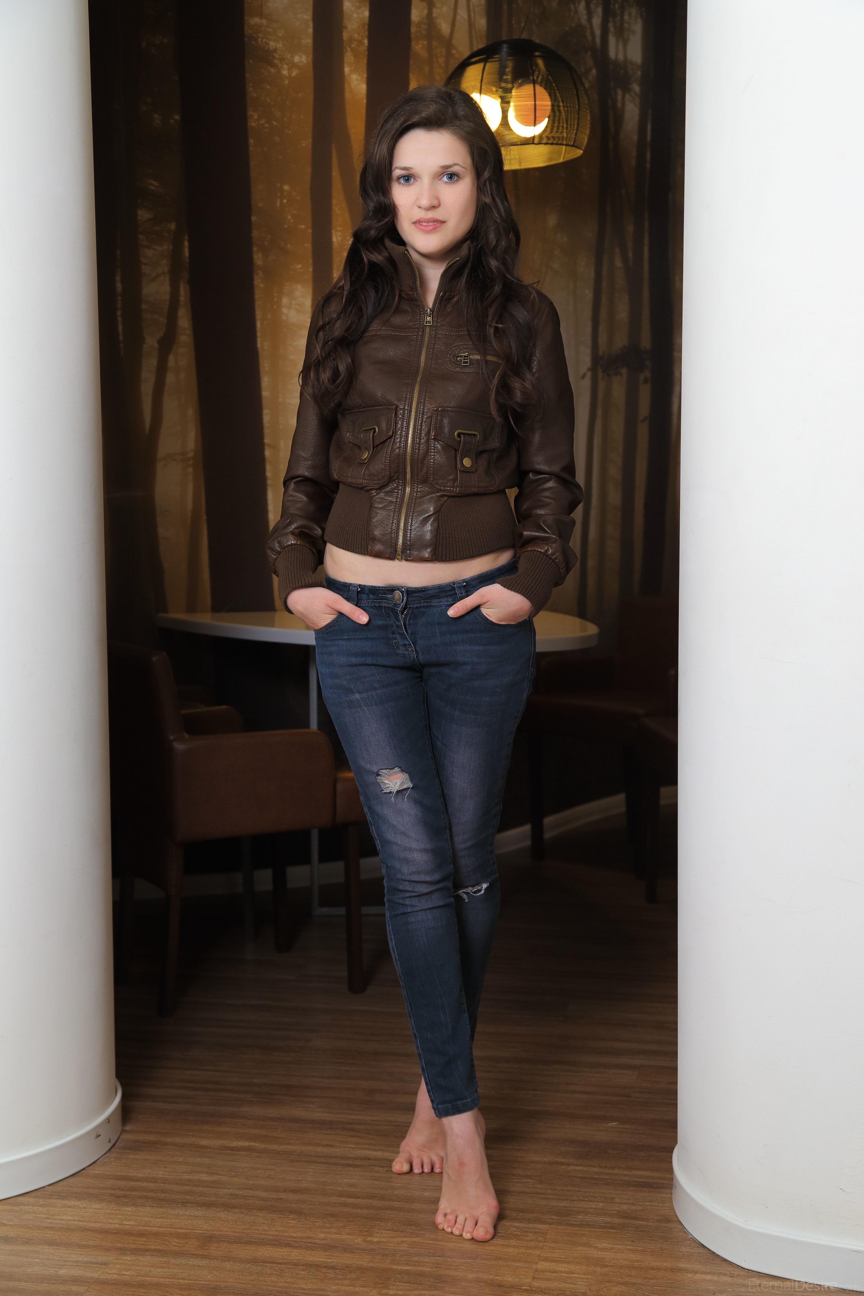Serena Wood - Hermosa Ucraniana + 7 Si Te Enamoras