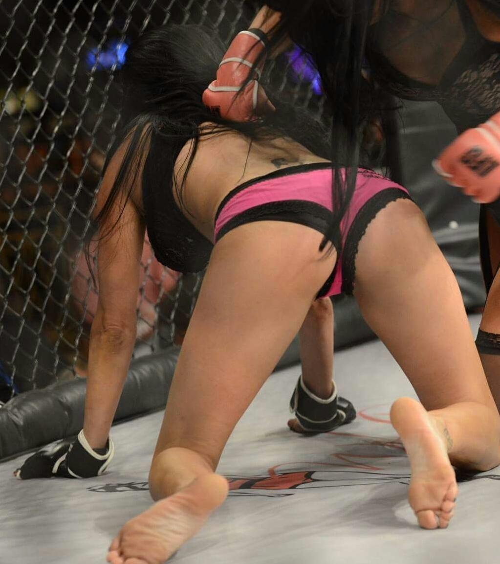 Martinez  nackt Shelly RING! Wrestler
