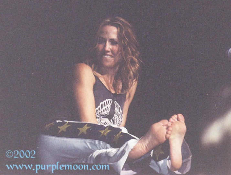 https://pics.wikifeet.com/Sheryl-Crow-Feet-202708.jpg