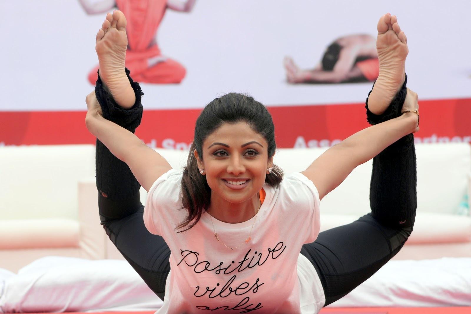 Shilpa Shettys Feet-1013