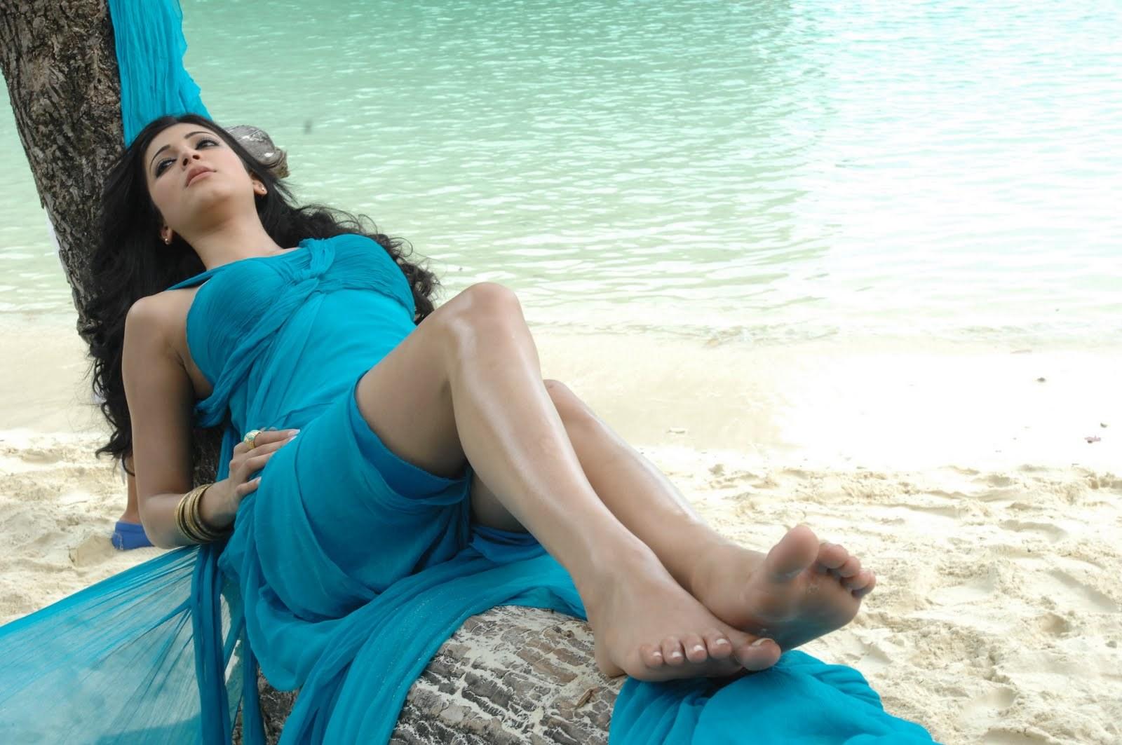Shruti K Haasans Feet-3818