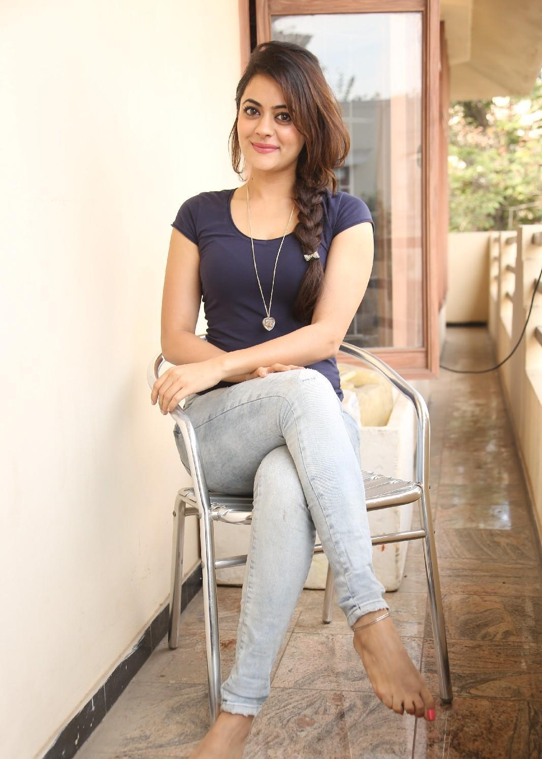 Showthread additionally Preeti Jhangiani Biography Age Height Weightfigure Hot Photos besides Somalia Demographics in addition Population Pyramids   France together with Shruti Sodhi. on birth rate