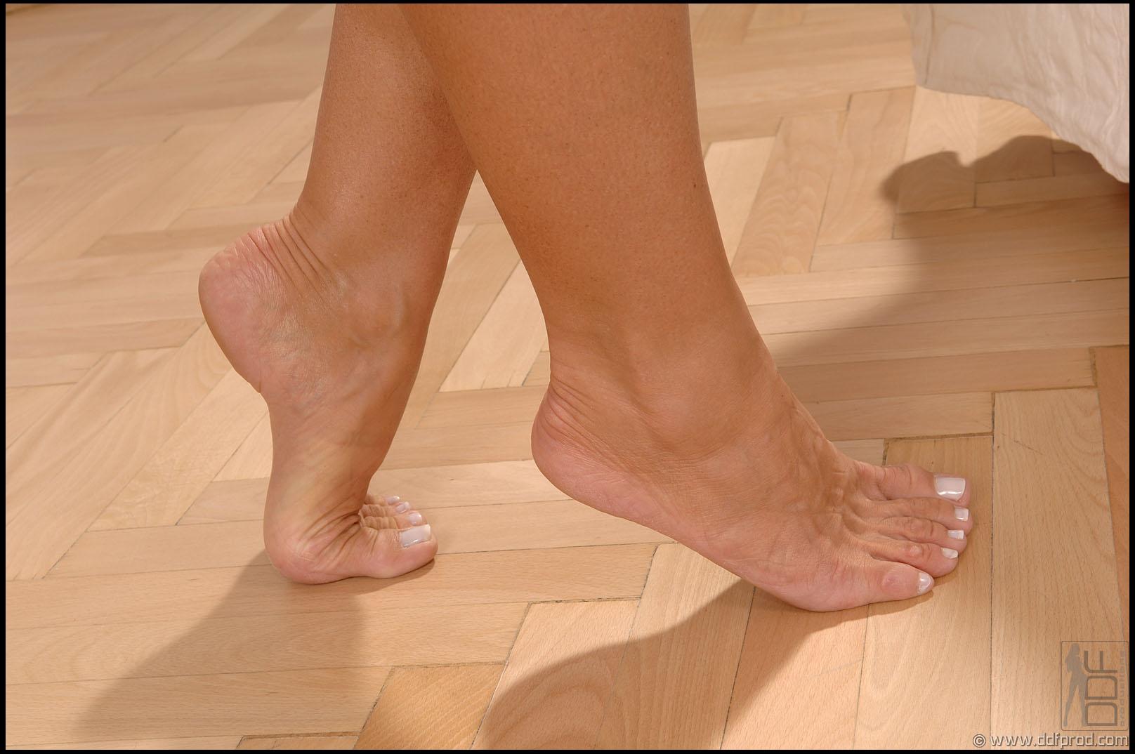 Футджоб в носочках 2 фотография