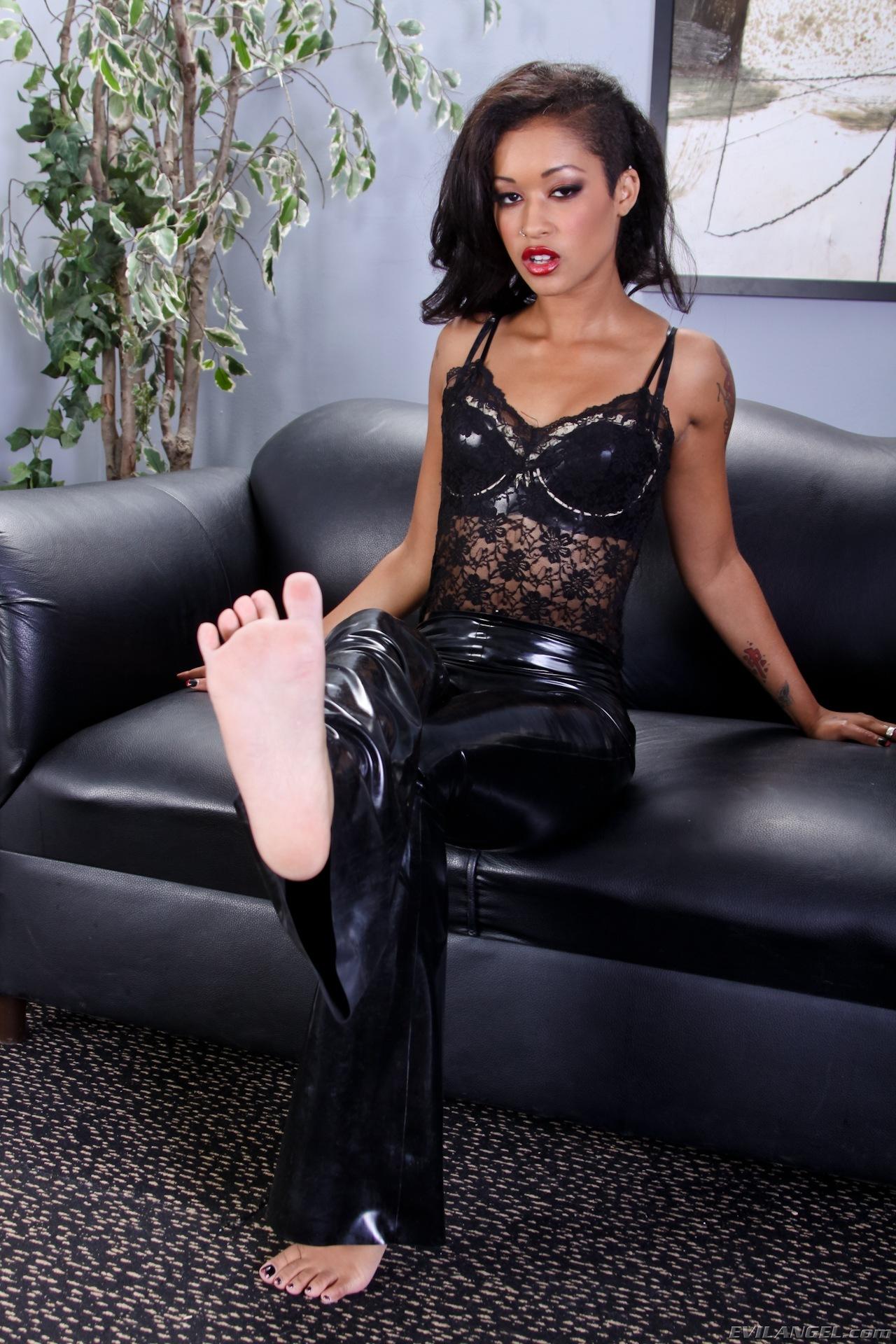 Skin Diamonds Feet