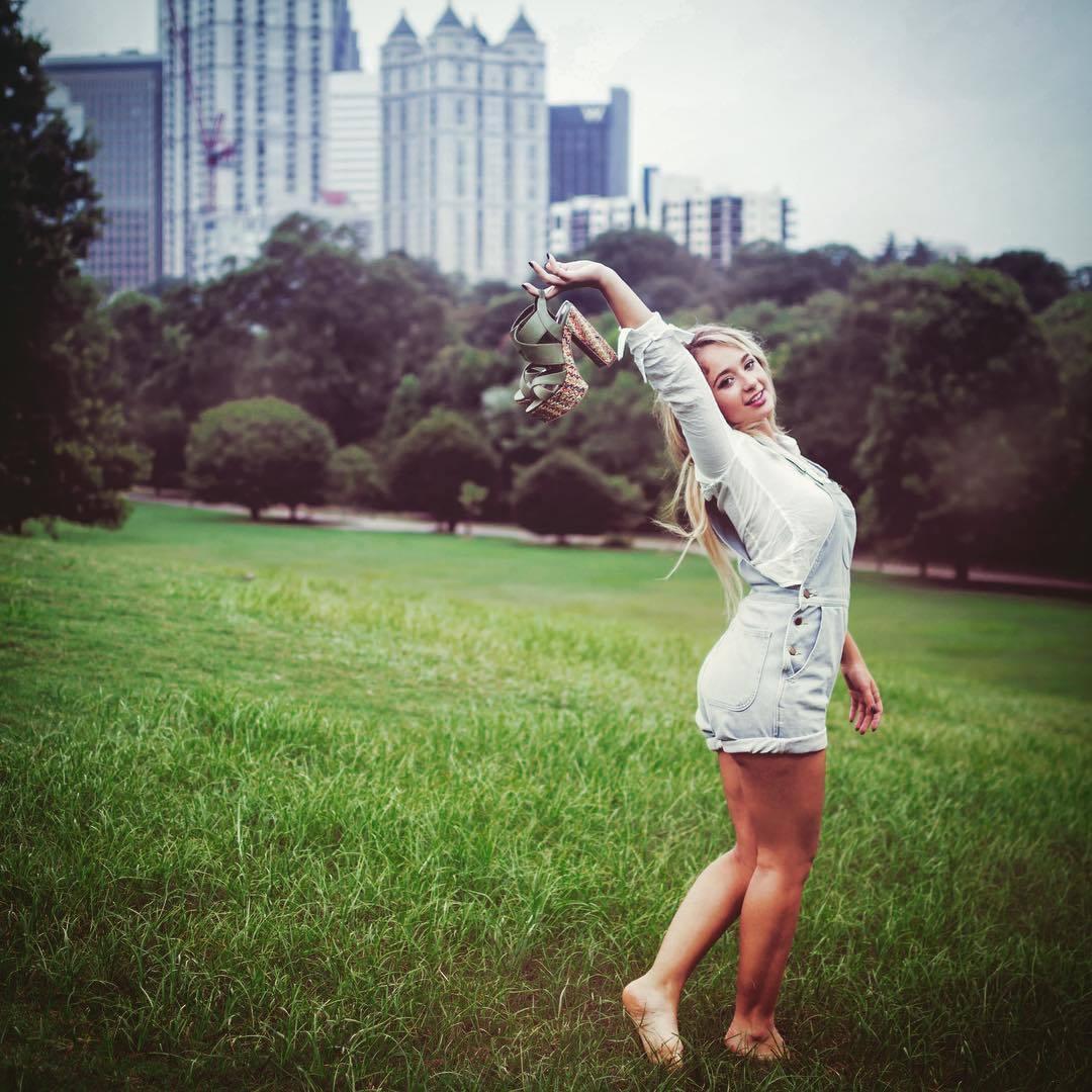 Skyler Joy Nude Photos 14