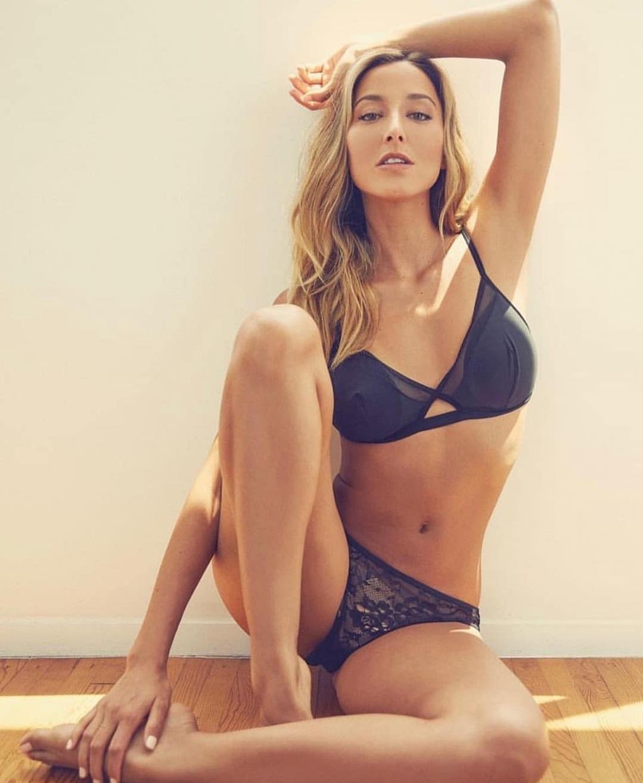 Sofia Sisniega Nude Photos 27