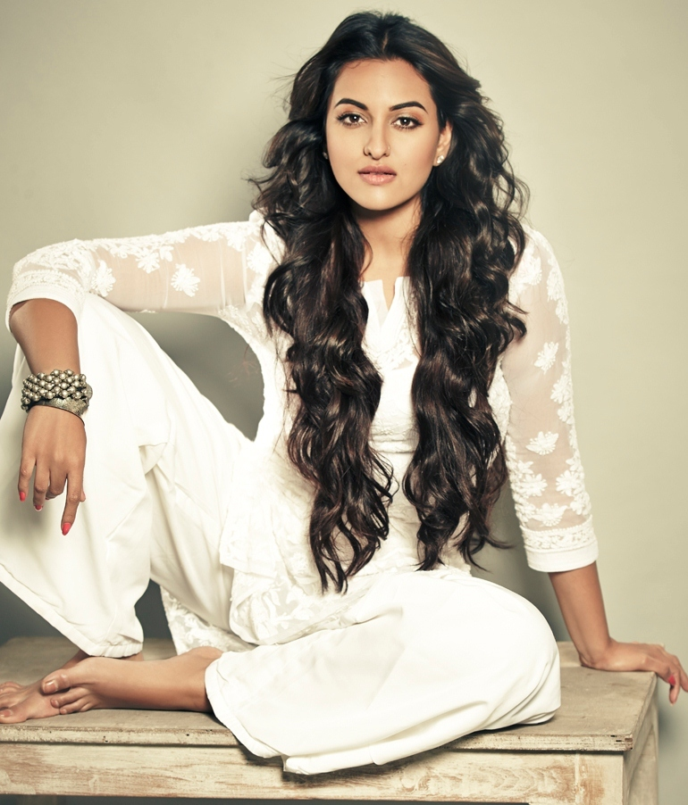 Sonakshi Sinhas Feet-7608