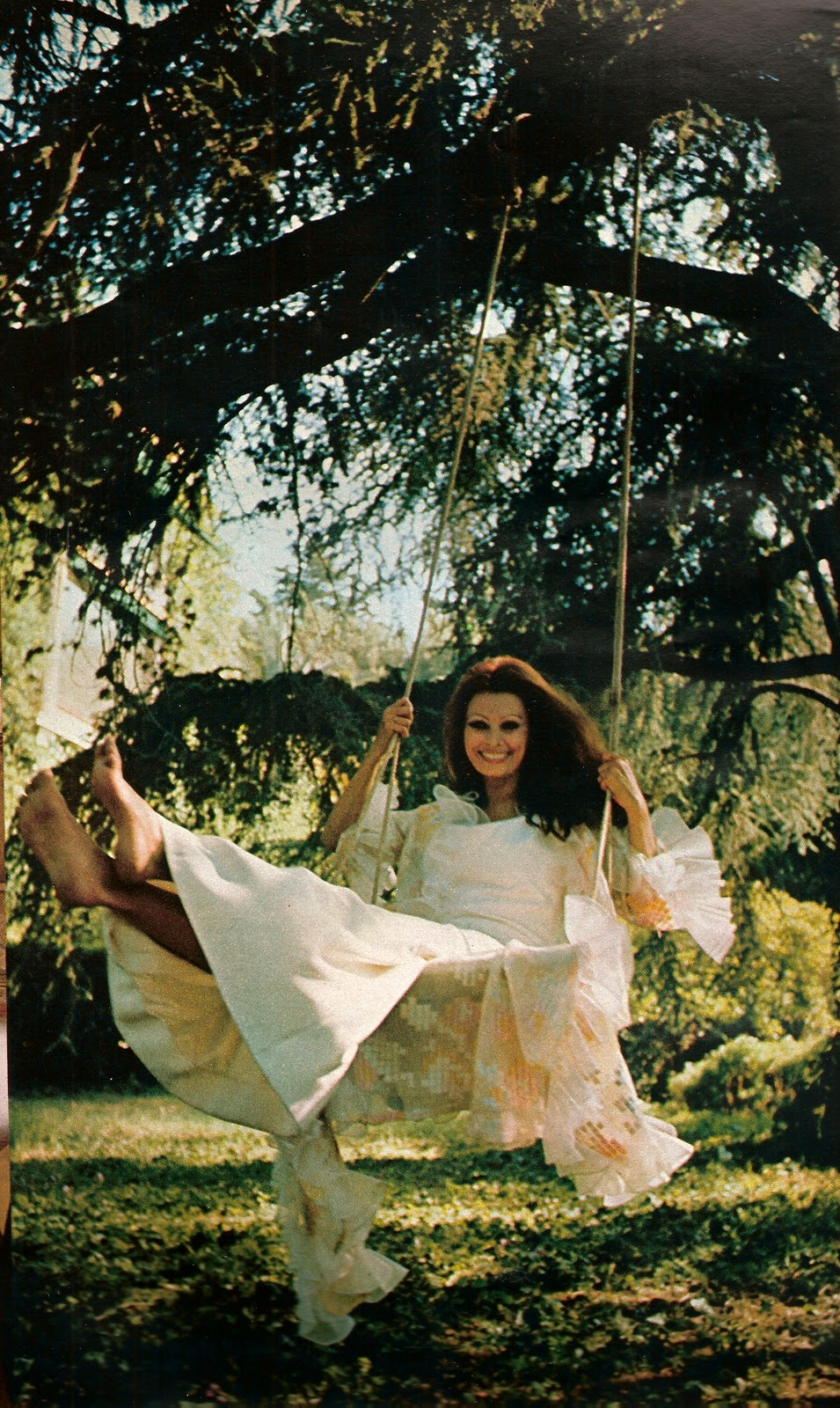 https://pics.wikifeet.com/Sophia-Loren-Feet-688279.jpg