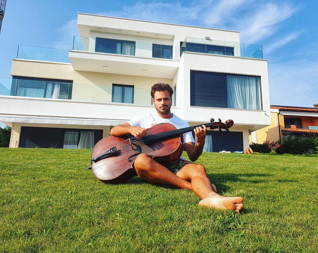 Stjepan Hauser's Feet << wikiFeet Men