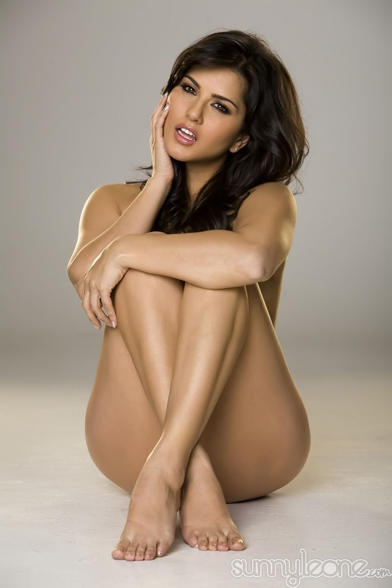 Sunny Leones Feet-3179