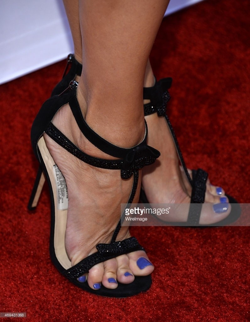 sutton foster s feet