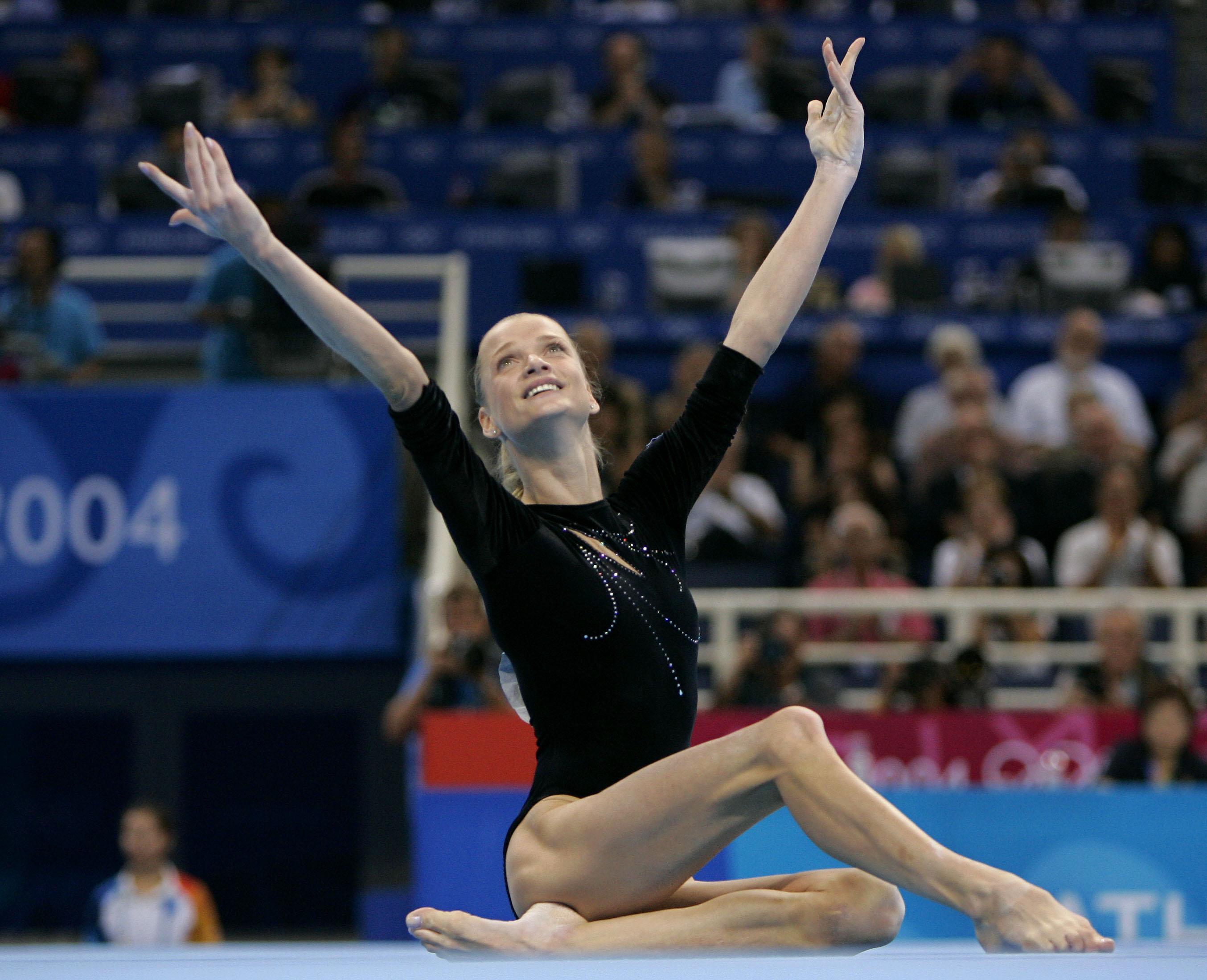 Svetlana Khorkina's Feet << wikiFeet
