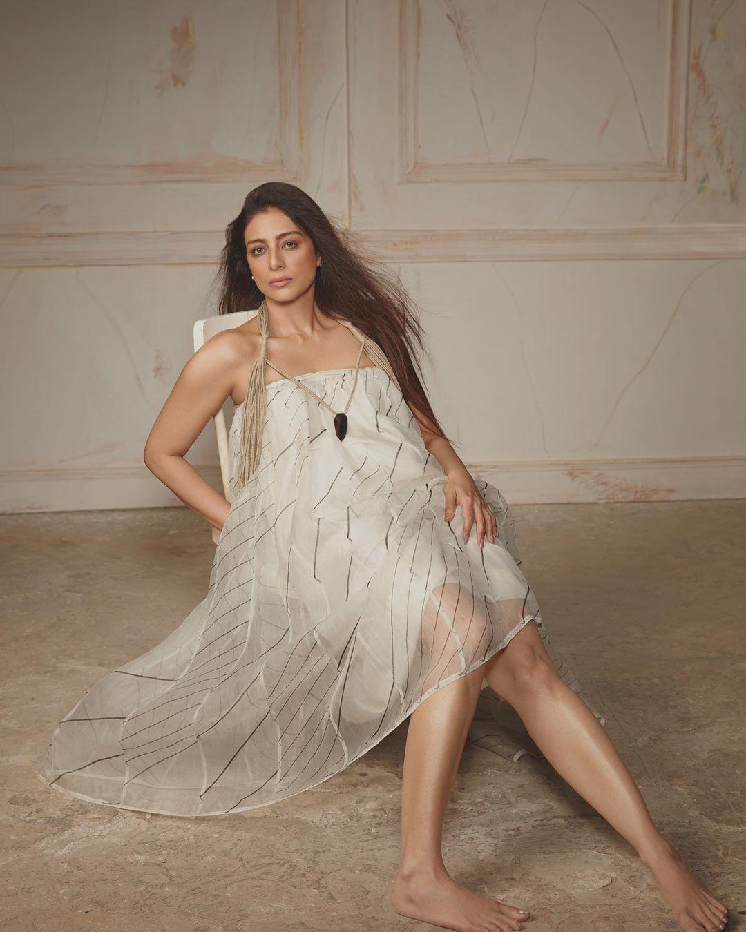 Deepika Padukone Bare Feet - Deepika Padukone Age