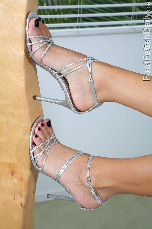 Tanner Mayess Feet