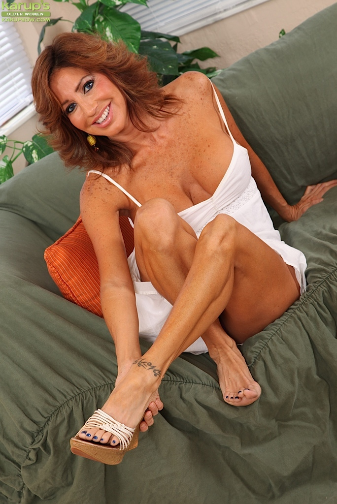 feet and holiday Tara pictures naked