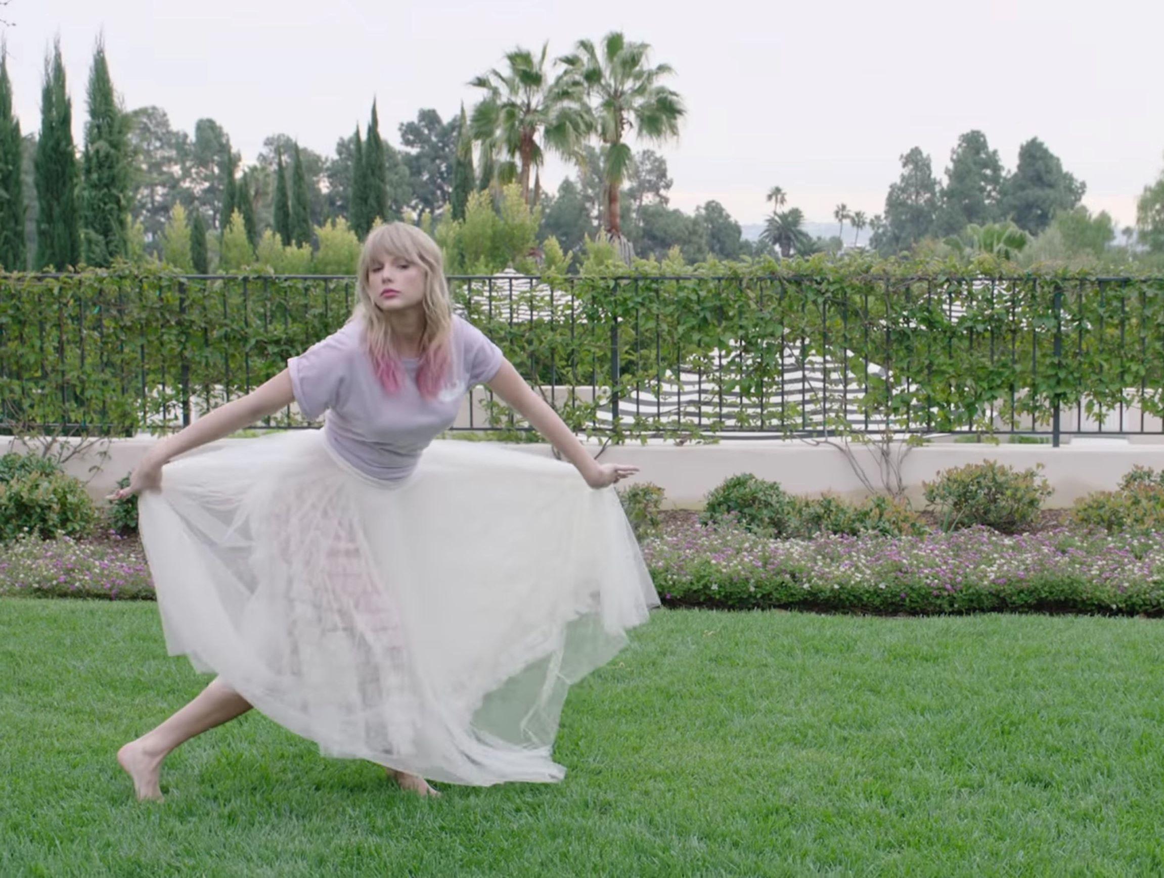 Taylor Swift S Feet Wikifeet