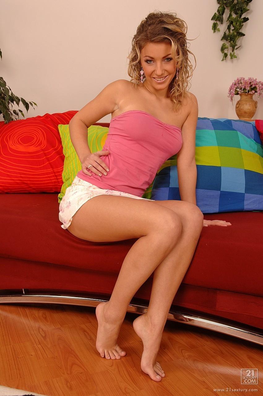 foto italian nude girl