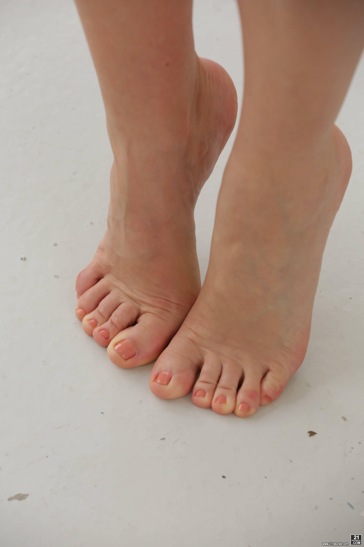 Tina kay feet