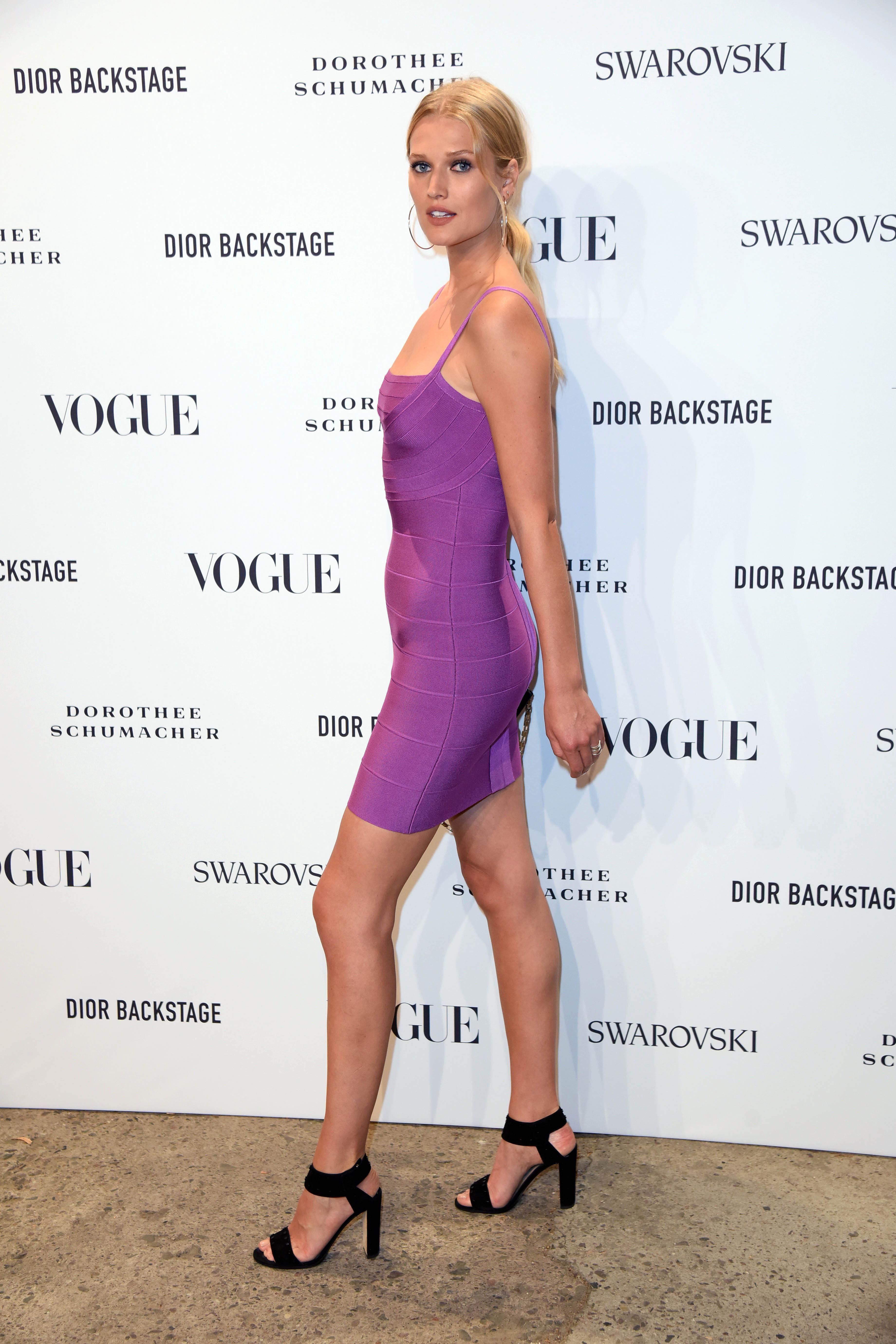 Feet Toni Garrn nude (11 photo), Tits, Leaked, Boobs, in bikini 2020