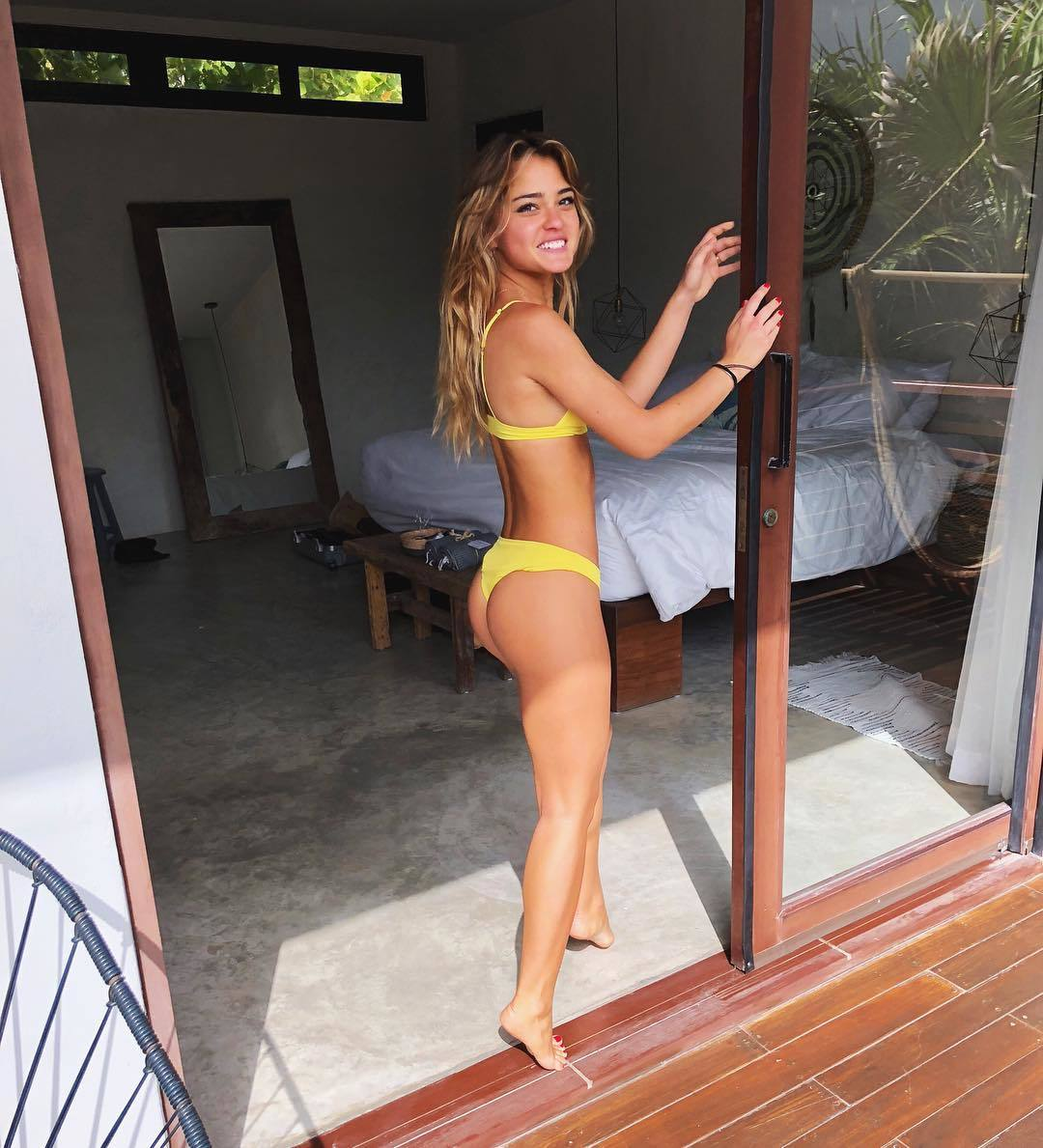 legs Selfie Anna Makarenko naked photo 2017