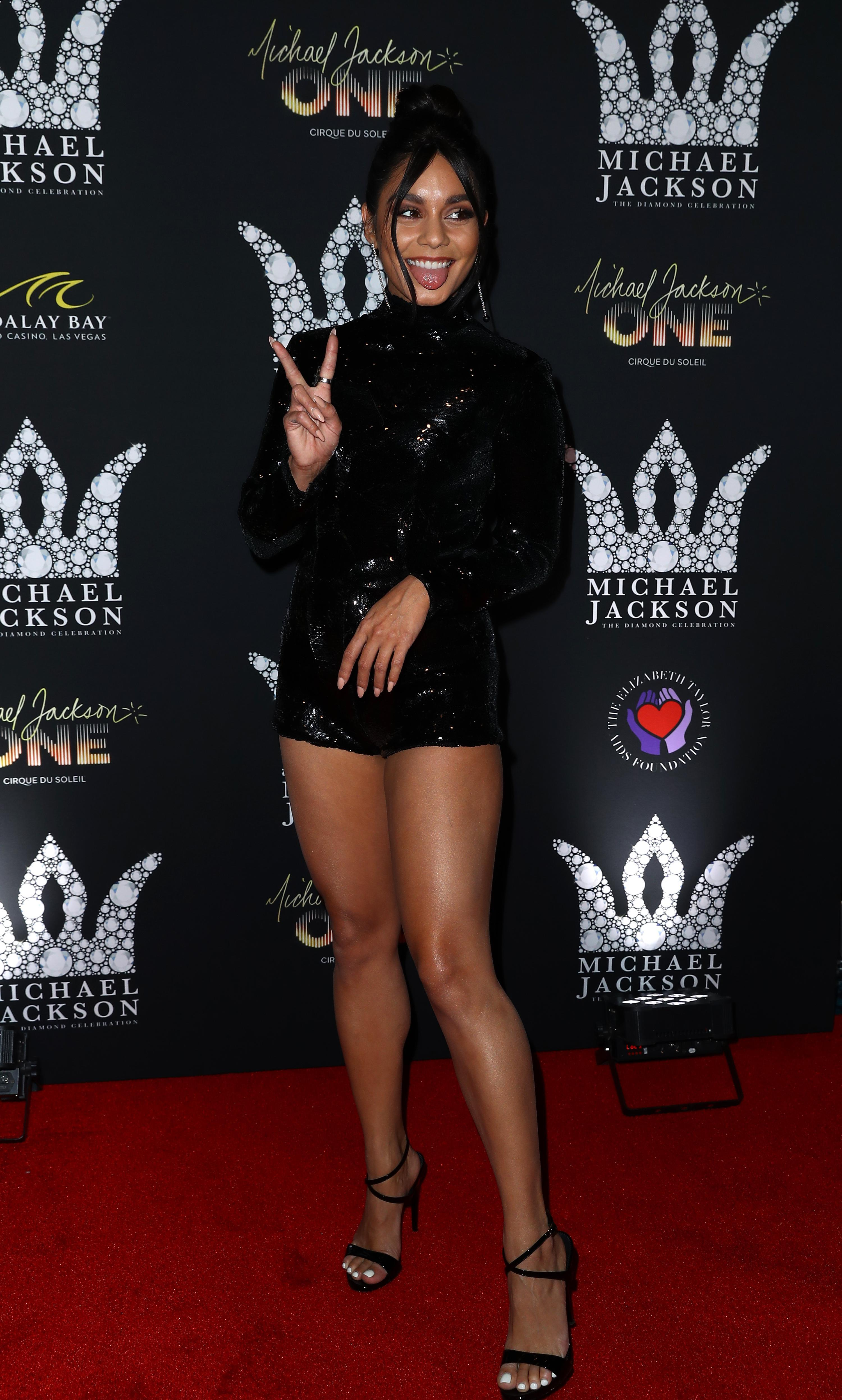 Vanessa hudgens in pantyhose congratulate