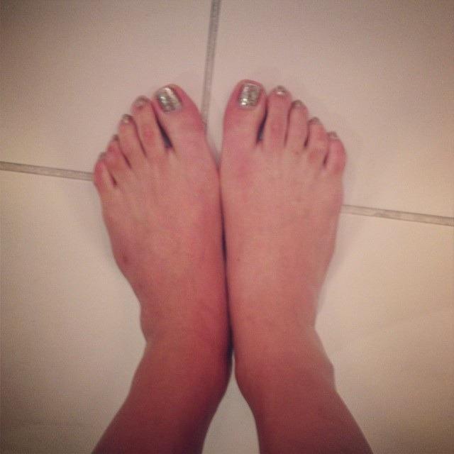 venus lux feet