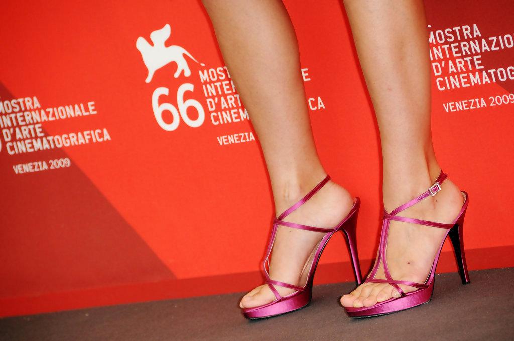 veronica gentilis feet